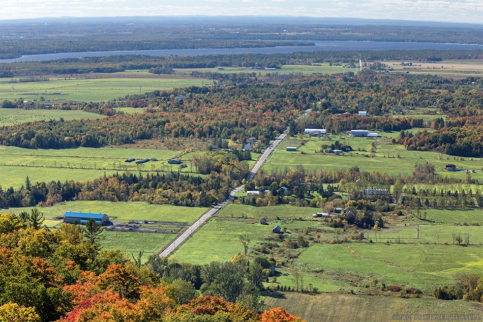 view from champlain lookout in gatineau park