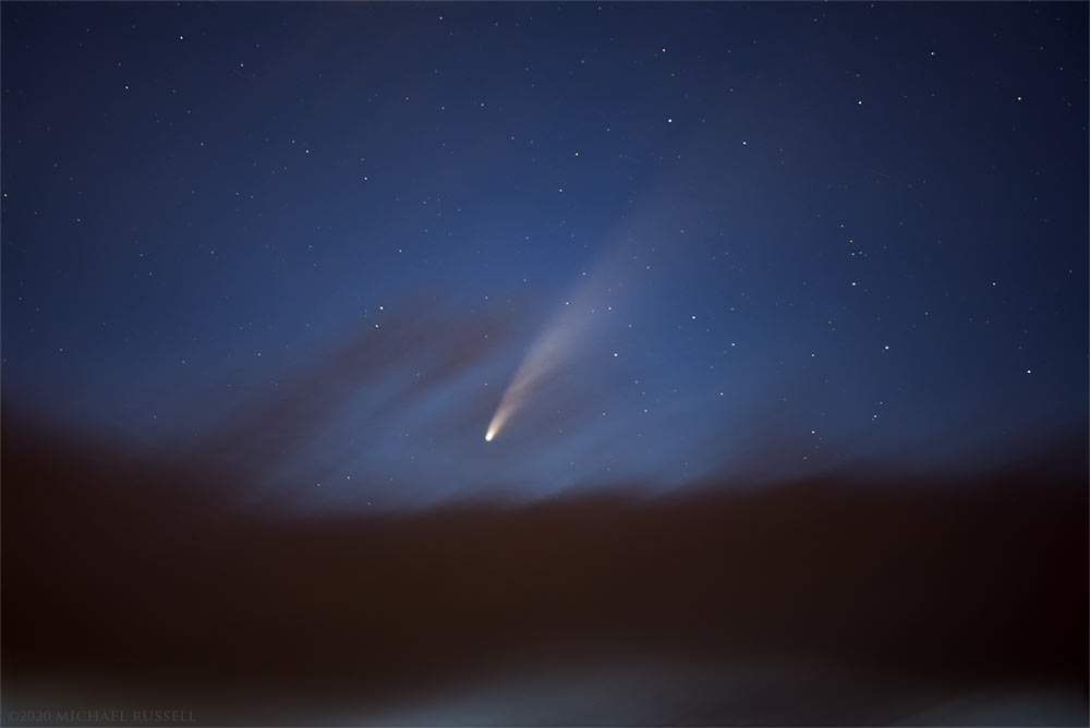 comet neowise in the evening sky above Burnaby